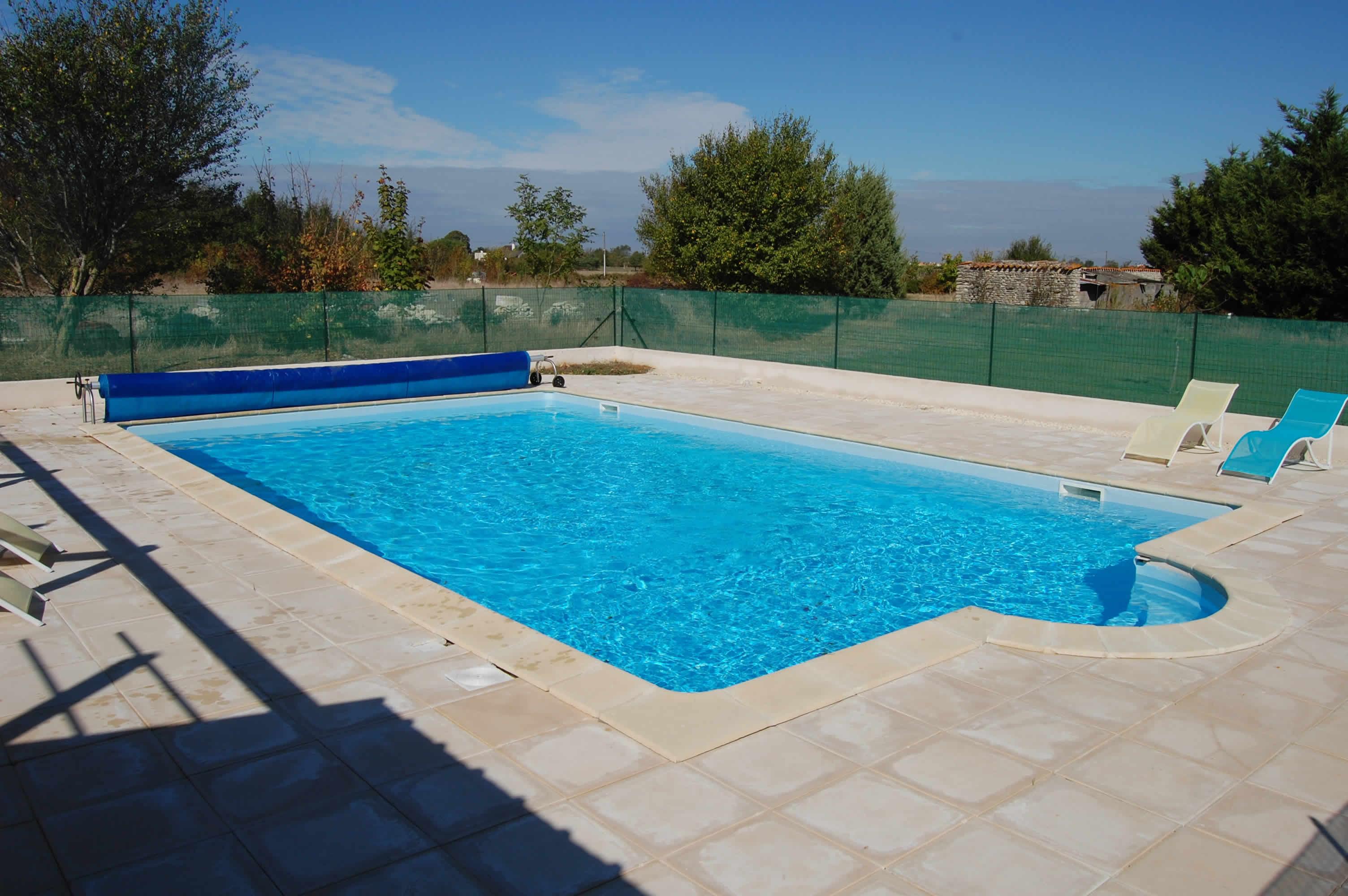 Gite avec piscine chauff e pr s de la rochelle - Piscine pour personne handicapee ...